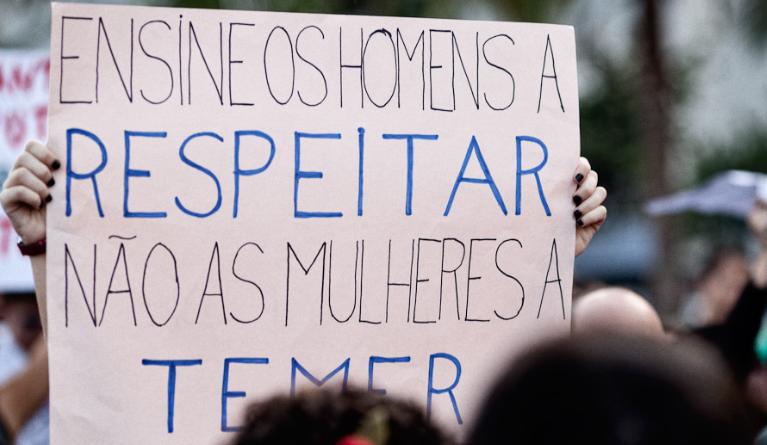 Cartaz na última Marcha das Vadias de São Paulo. Infelizmente, não sei de quem é a foto, caso você saiba, por favor, me diga, para os devidos créditos.