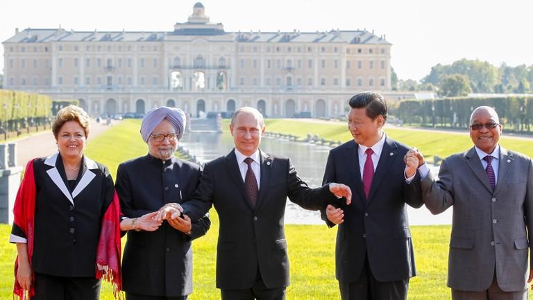 Dilma (Brasil), Singh (ìndia), Putin (Rússia), Xi Jinping (China) e Jacob Zuma (África do Sul) Foto: Roberto Stuckert Filho/PR