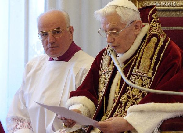 O Papa Bento XVI anuncia sua renúncia.  Foto: L'Osservatore Romano/Associated Press