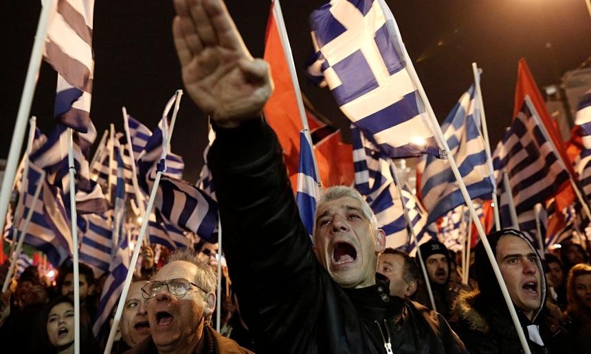Comício do partido neonazista grego Aurora Dourada, que elegeu três representantes para o Parlamento Europeu / Foto: The Guardian