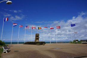 Monumento na praia de Juno