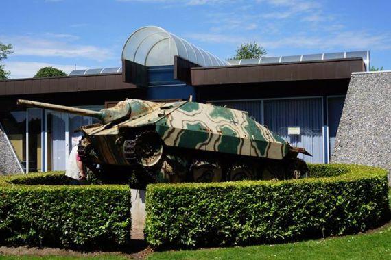 Canhão auto-propulsado alemão em exposição na Normandia, em Bayeux