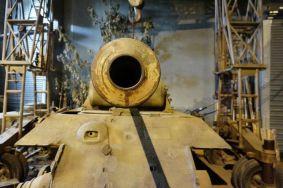 Boca do canhão de um tanque alemão Panther preservado em museu
