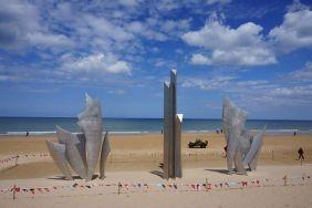 Monumento de Anilore Banon, Les Braves, praia de Omaha
