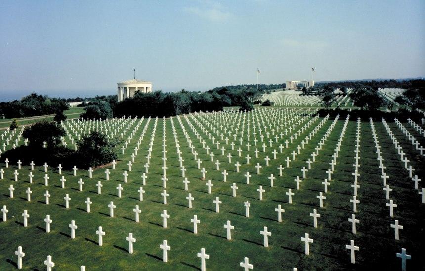 Cemitério dos EUA em Colleville-sur-Mer, Normandia, onde estão enterrados 9.387 homens.