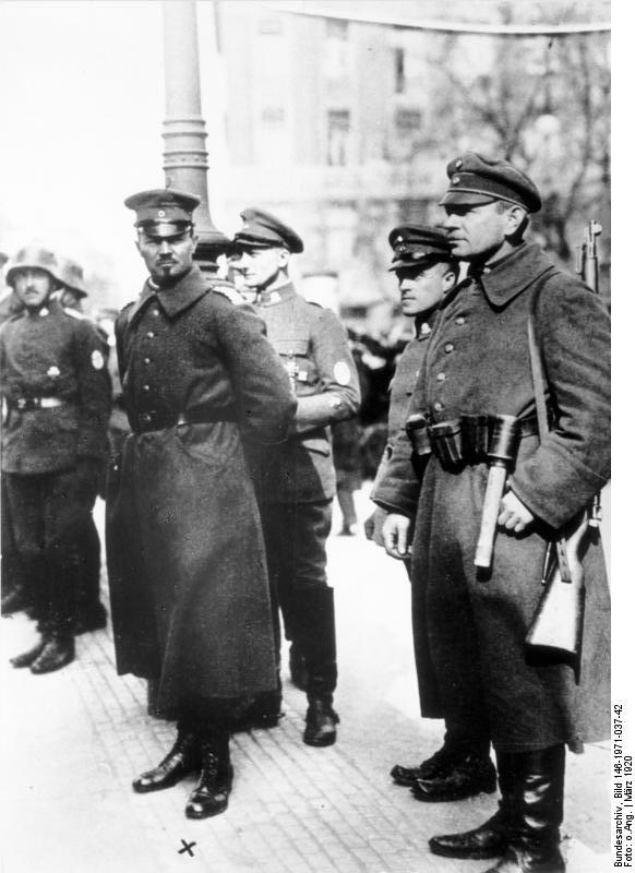 Hermann Ehrhardt, marcado com um X