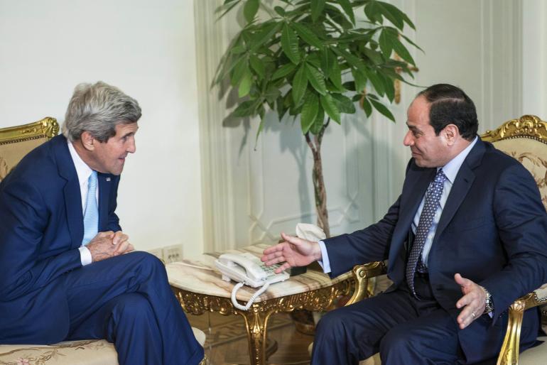 John Kerry e Abdul Fatah Khalil Al-Sisi, em encontro no Egito