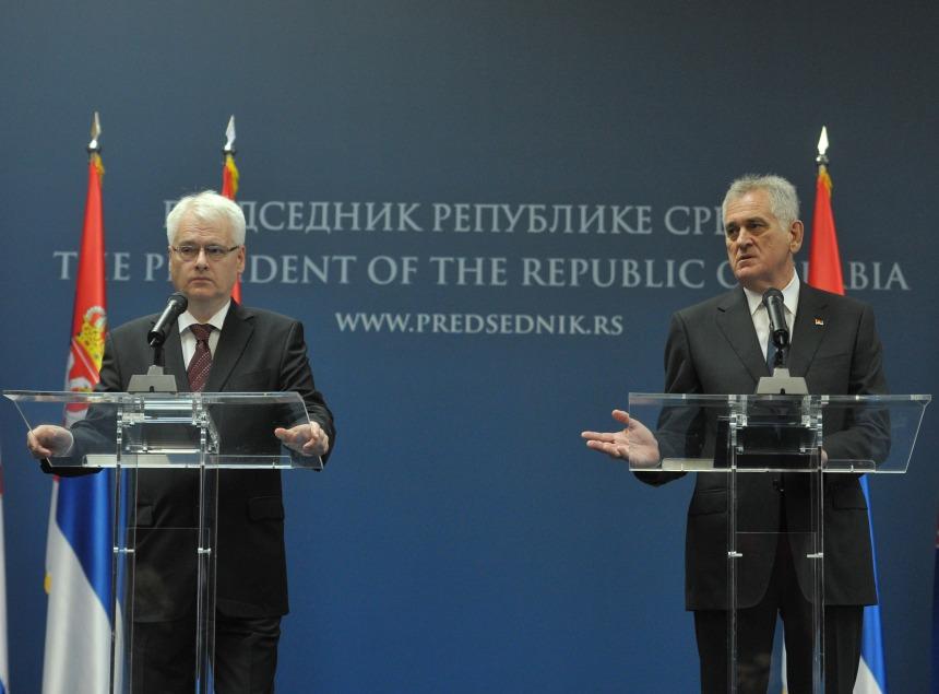 Presidente da Sérvia Tomislav Nikolic em encontro com o Presidente da Croácia Ivo Josipovic, Outubro de 2013. Foto: Presidência da Sérvia