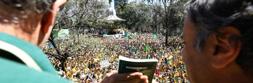Belo Horizonte_MG, 16 de agosto de 2015.Manifestacao na praça da liberdadepsdbFotos: Hugo Cordeiro / Nitro