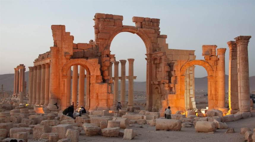 150515-palmyra-syria-mn-0710_9adca2a59a848bab2334b9a5a7421a52.nbcnews-ux-2880-1000